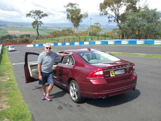 Mount Panorama Motor Racing Circuit: Lerner