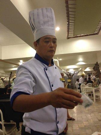 The Singing Cooks & Waiters : マジシャン
