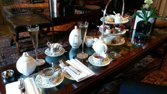 Summer Lodge: Afternoon tea