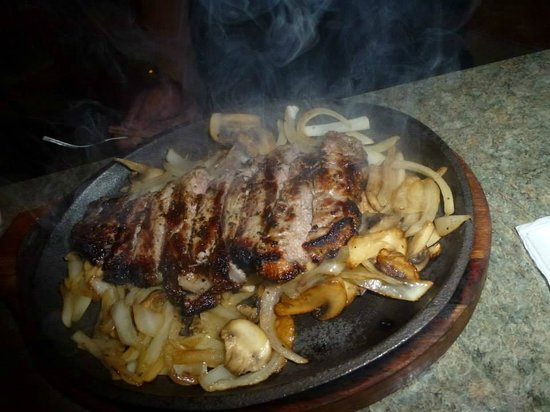 Sand Bar and Grill: Steak sizzler