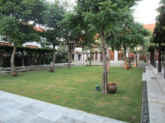 Sudamala Suites & Villas: Innenhof