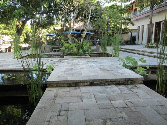 Sudamala Suites & Villas: Eingangbereich