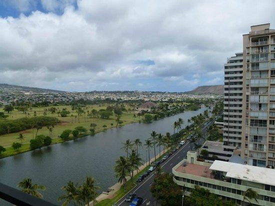 Waikiki Sand Villa Hotel: View from the room
