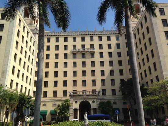 Hotel Nacional de Cuba: front of the hotel