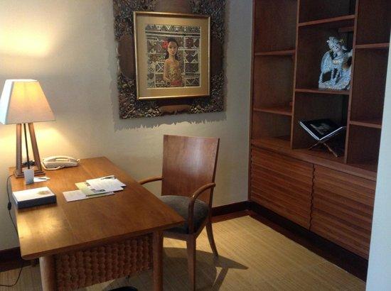 The Westin Resort Nusa Dua, Bali: Office in Suite