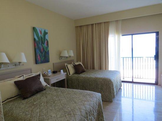The Royal Islander All Suites Resort: Camera superior