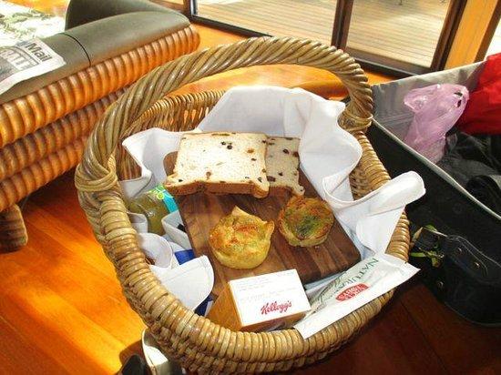 Pethers Rainforest Retreat: Our freshly made gourmet breakfast hamper.