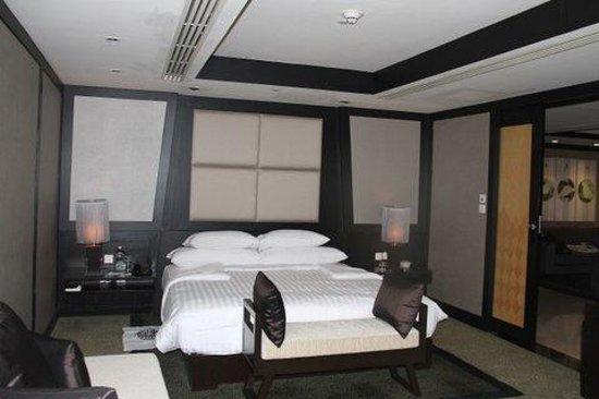 Banyan Tree Bangkok: king br in 2 br suite