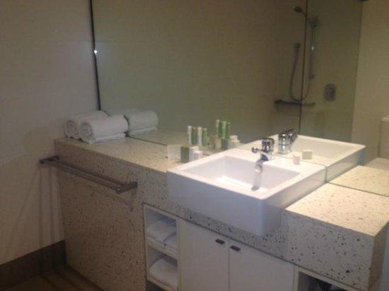 Peppers Beach Club Port Douglas: Bathroom
