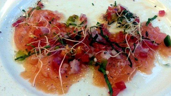 Zuni Restaurant and Wine Bar: Salmon carpaccio