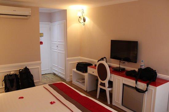 Calypso Suites Hotel: room 1