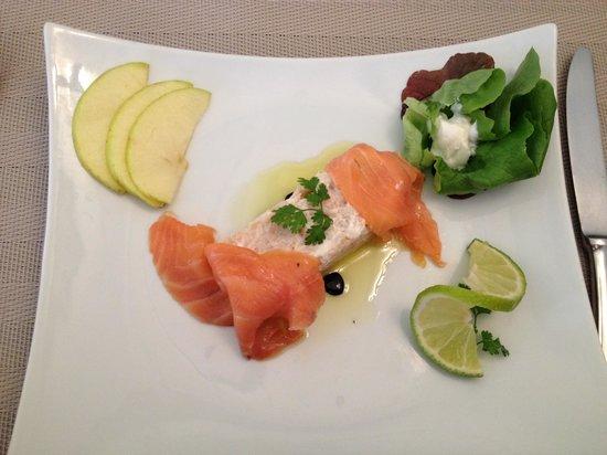 Auberge du Cheval Blanc : Duo de poissons et fromage frais