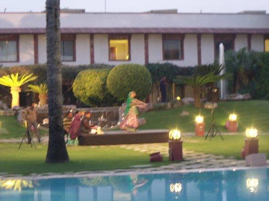 Trident, Agra : evening entertainment