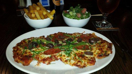 Mrs Parmas: Chicken Pizza Parma
