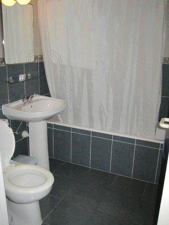 Club Pyla Beach Resort: Bathroom