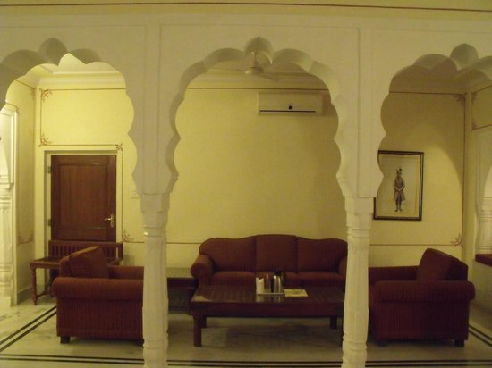 Castle Mandawa Hotel : part of the bedroom