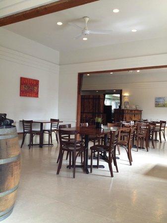 Church Road Winery Cellar Door & Restaurant: 店内の様子1