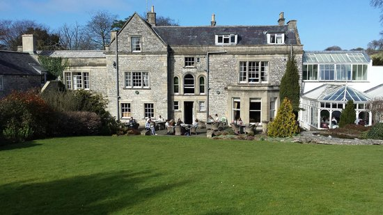 Bannatyne Hotel - Charlton House: Nice setting for an afternoon drink