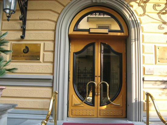 Hotel Albani Firenze : Entrance Door