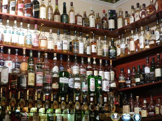 Harris Hotel The Whisky Bar Too Much Choice