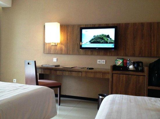 Royal Ambarrukmo Yogyakarta: Modern Cozy Room