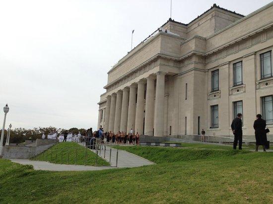 Musée du mémorial de guerre d'Auckland : 建物