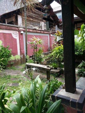 Emily Travellers' Home: Garden