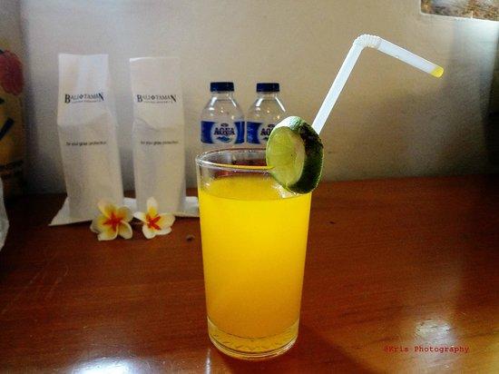 Bali Taman Beach Resort & Spa: welcome juice