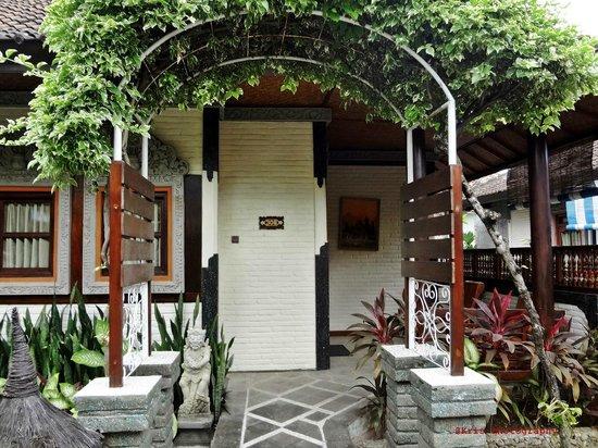 Bali Taman Resort & Spa: kamar tampak dari depan