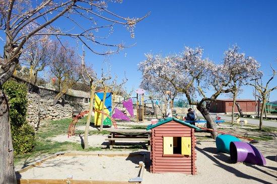 Serra de Prades Camping - Bungalow Park : Parque infantil