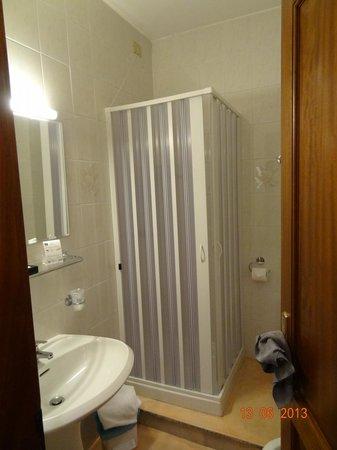 Rina Hotel: Одноместный номер с двухспальной кроватью