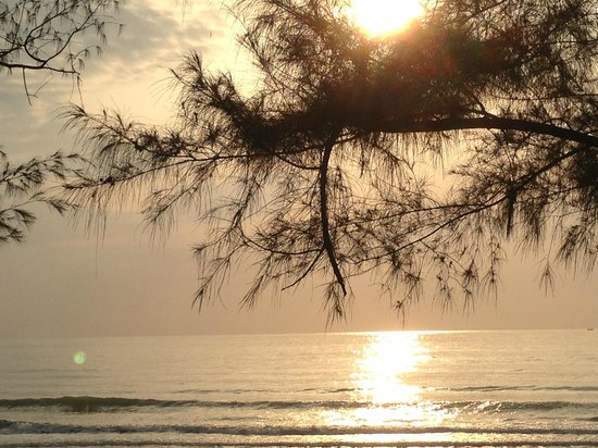 Suanson Pradipat Resort : Sunrise