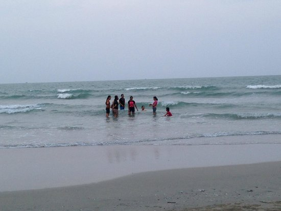 Suanson Pradipat Resort: Beachfront