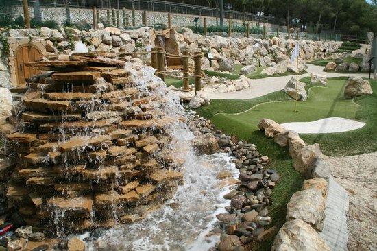 Vilanova Park: MINI GOLF ADVENTURE