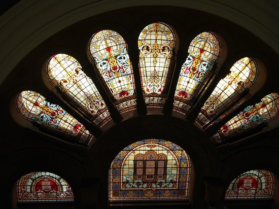 Edificio Queen Victoria: ステンドグラス