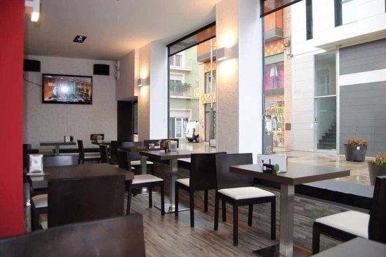 UNIC Cafe Lounge