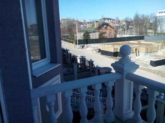 Vettriano Art Apartments : Вид с балкона
