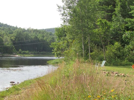 Cronin's Golf Resort : looking north from the cabins
