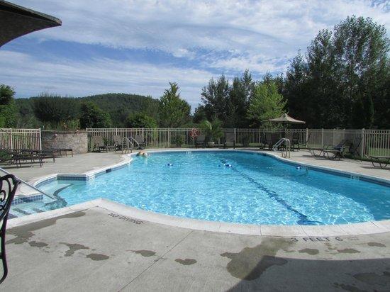Cronin's Golf Resort : great family pool
