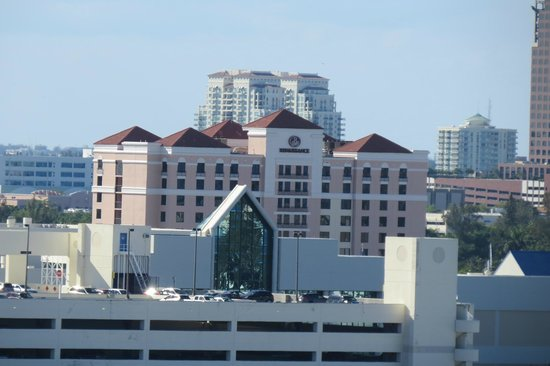Renaissance Fort Lauderdale Cruise Port Hotel: A View of the Renaissance from the Celebrity Silhouette