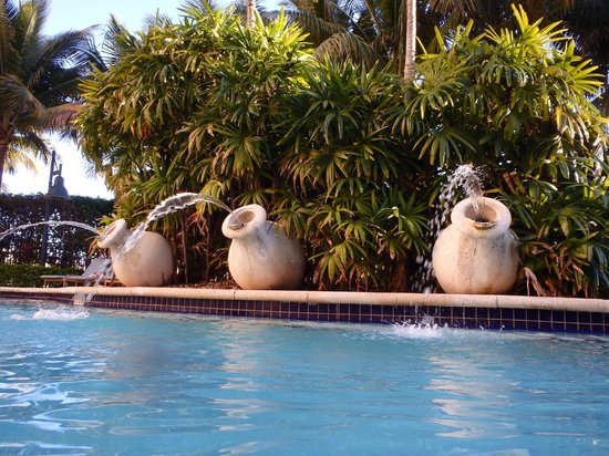Renaissance Fort Lauderdale Cruise Port Hotel: 3 Fountains located in the Pool