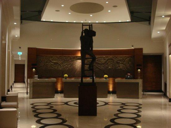 Conrad London St. James: Lobby