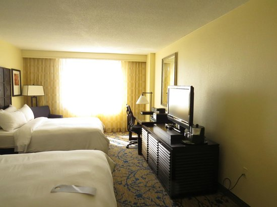 Renaissance Fort Lauderdale Cruise Port Hotel : A Picture of the Room