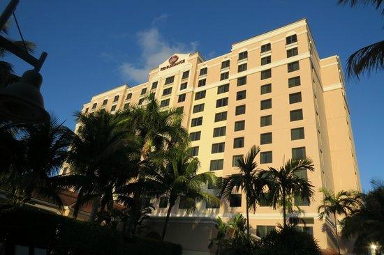 Renaissance Fort Lauderdale Cruise Port Hotel: A Front View of the Renaissance