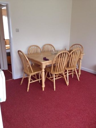 Ilfracombe Holiday Park: dinning/living room