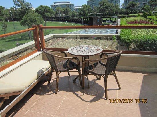 Sueno Hotels Golf Belek: Мой балкончик . Открывается вид на соседнюю Калисту 5*