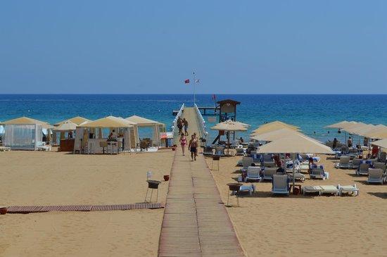 Kaya Artemis Resort and Casino: Beach