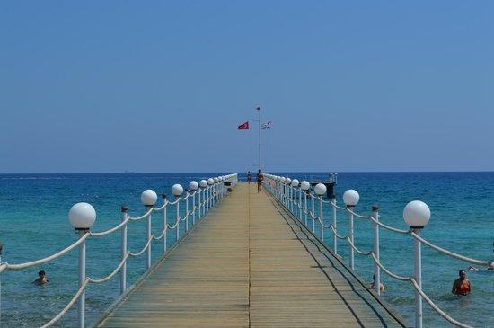 Kaya Artemis Resort and Casino: Molo