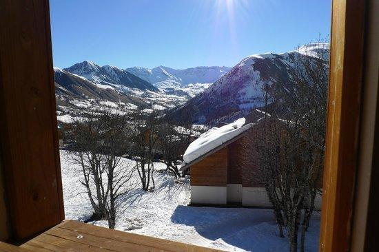 Résidence Odalys Les Chalets de la Porte des Saisons: View from bedroom on the top floor