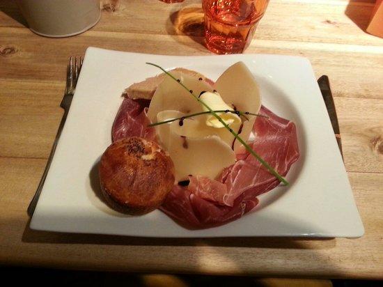 La Pecherie: Parmesan, jambon de bayonne, foie gras abricot
